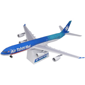 Papercraft del avión Air Tahiti Nui. Manualidades a Raudales.