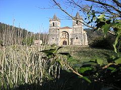 Papercraft building recortable y armable de la Iglesia de San Martín en Cantabria. Manualidades a Raudales.