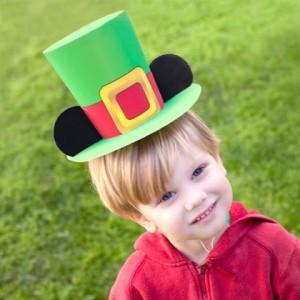 Papercraft imprimible y armable de Sombrero leprecon con orejas de Mickey - St. Patrick. Manualidades a Raudales.
