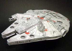 Papercraft de Halcon Milenario de Star Wars. Manualidades a Raudales.