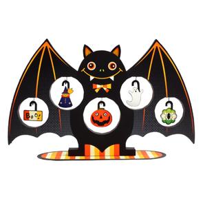 Papercraft de un árbol para Halloween de murciélago. Manualidades a Raudales.