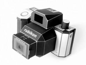 Papercraft de una Cámara fotográfica Rubikon. Manualidades a Raudales.
