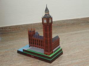 Papercraft building imprimible y recortable del Big Ben de Londres. Manualidades a Raudales.