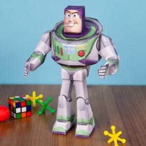 Papercraft imprimible y armable de Buzz Lightyear de Disney. Manualidades a Raudales.