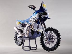 Papercraft recortable de la motocicleta Yamaha YZ450F. Manualidades a Raudales.