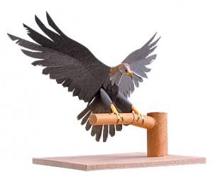 Papercraft del águila dorada japonesa. Manualidades a Raudales.