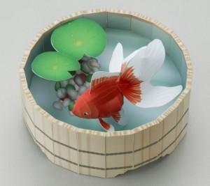 Papercraft imprimible y armable de un dorama de un pez dorado / Goldfish. Manualidades a Raudales.