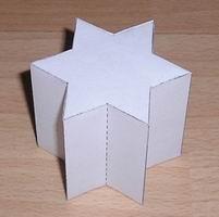 Papercraft prisma estrellado de 6 puntas. Manualidades a Raudales.