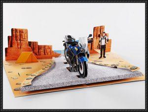Tarjeta desplegable de la Motocicleta en el cañón del colorado. Manualidades a Raudales.