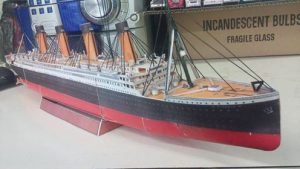 Papercraft imprimible y recortable del barco Titanic. Manualidades a Raudales.